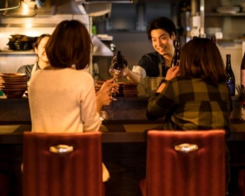 女子が楽しめる『肉&魚バル』で日本酒が好きになる