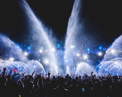 """「水」と「音楽」。幻想的な空間の""""フェス""""って最高じゃない?"""