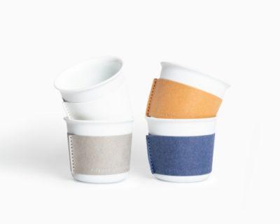 シンプルで美しい小ぶりな湯のみ「着替える有田焼」伝統的で現代的な商品