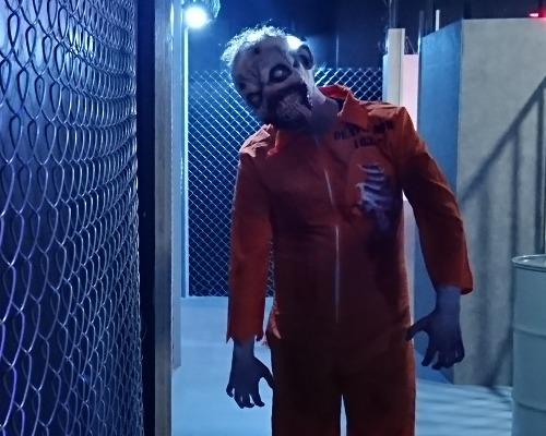 「ゾンビ刑務所」ハロウィン限定ホラーアトラクション開催!
