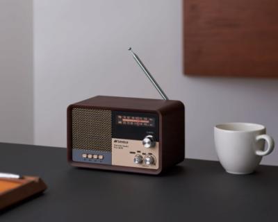 レトロなデザインがオシャレ!「ラジオスピーカー」と「CDステレオ」が登場